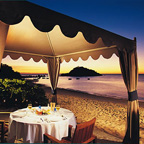 EVENING BEACHSIDE DINING