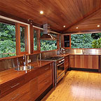 STUNNING FULLY EQUIPPED KITCHEN