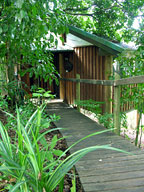 PRIVATE TREEHOUSE STYLE BUNGALOWS