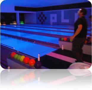 kangaroos land bowling