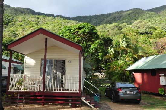 palm cove ellis beach bungalows. Black Bedroom Furniture Sets. Home Design Ideas