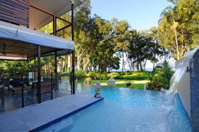 Bramston Beach Australia  city images : Direct beach access Bramston Beach Holiday House