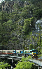 kuranda train passing stoney creek falls